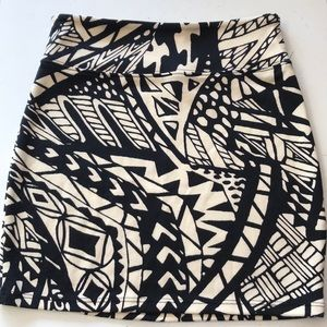 Black & cream Urban Outfitters body con skirt (xs)